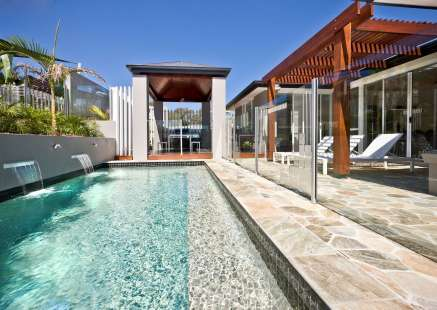 glass pool fencing by Geelong Pool Fencing